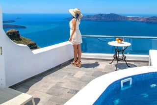 luxurious-suites-villa-lukas-santorini